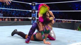 WWE スマックダウン #998 アスカ ペイトン・ロイス