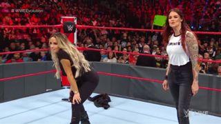 WWE ロウ #1325 トリッシュ リタ