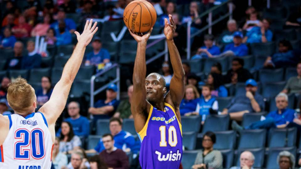 Ten-year G League veteran Andre Ingram drops 19 points in Lakers debut