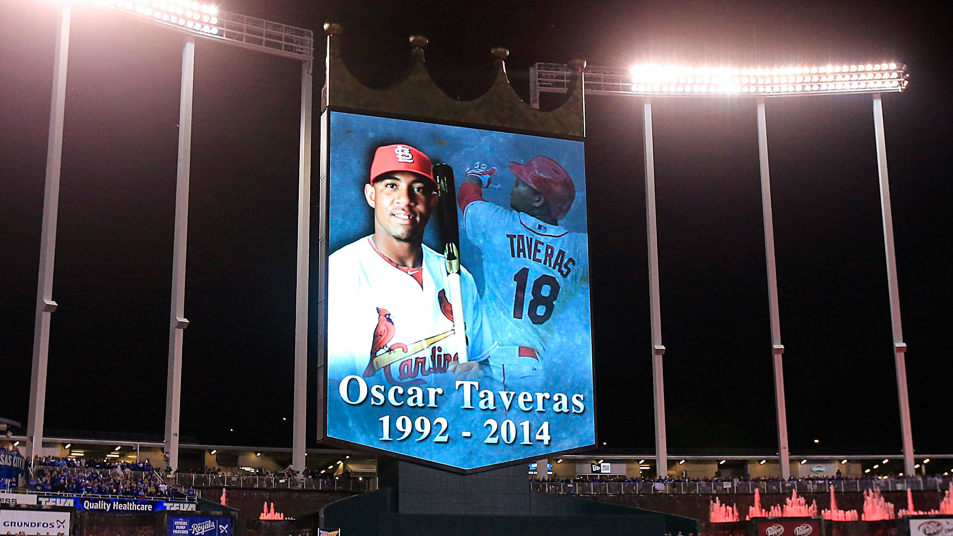 3c7d38ddd Oscar Taveras recognized with a moment of silence before Game 6 ...