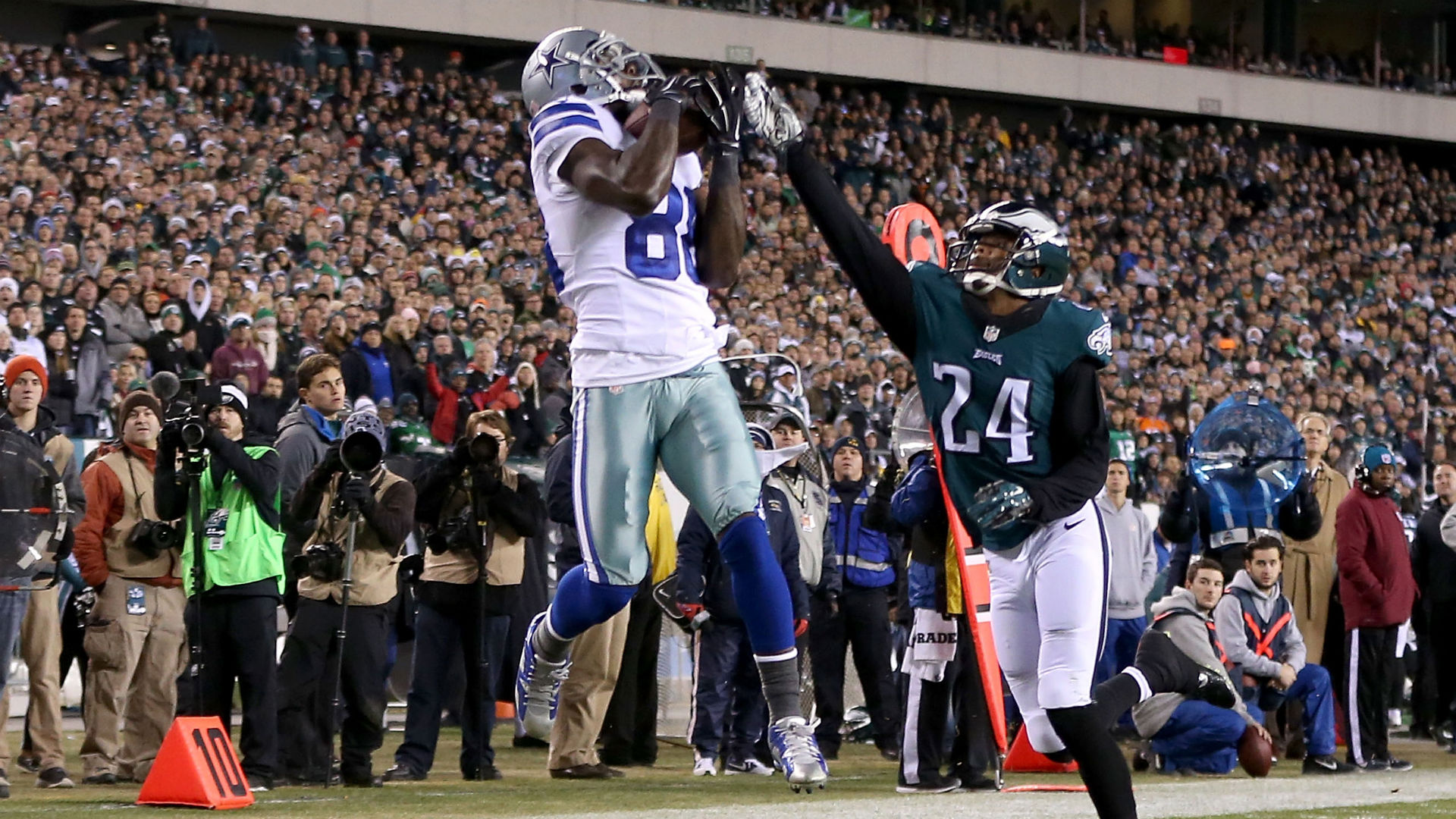 Dez Bryant Hauls In Three Tds In Cowboys Signature Nfc East