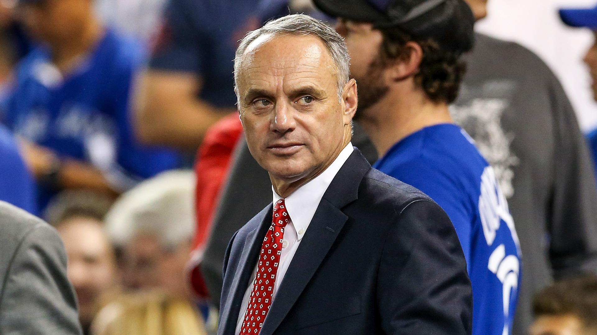 El comisionado de la MLB, Rob Manfred, parece odiar el béisbol 2