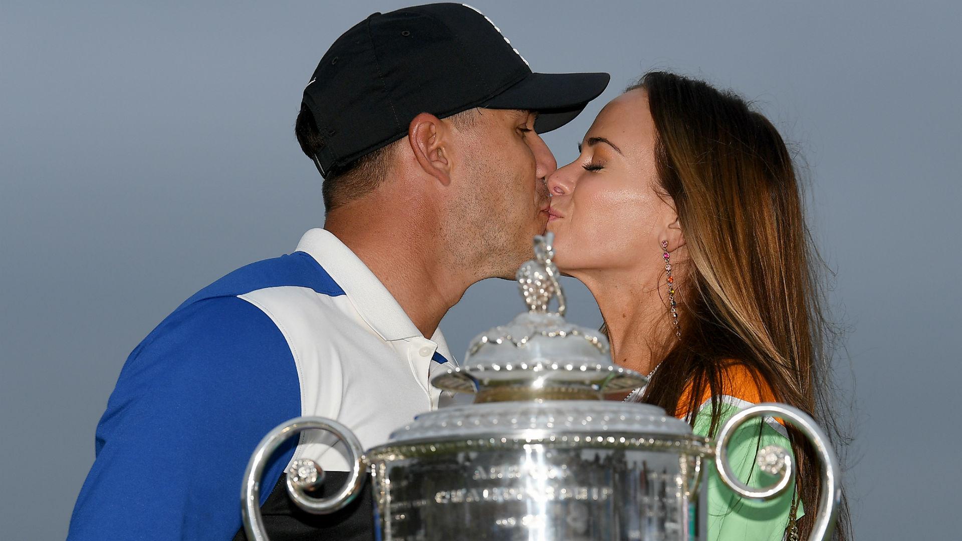 Brooks Koepka s Girlfriend Jena Sims Finally Gets Kiss