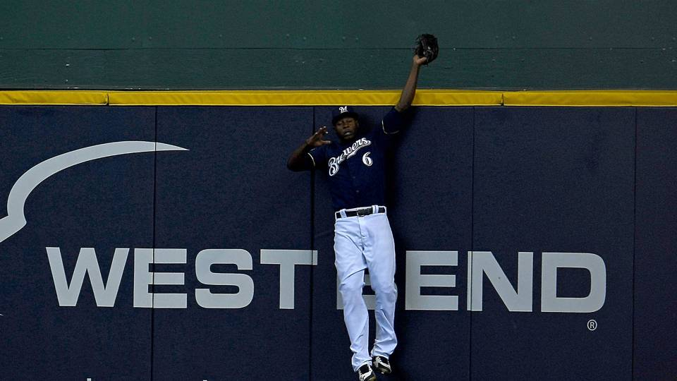 MLB postseason 2018: Brewers' Lorenzo Cain robs David Freese of home run in Game 2