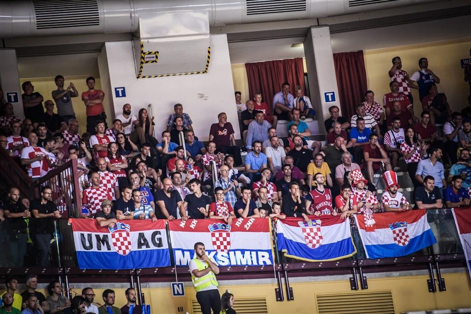 Croatia basketball fans