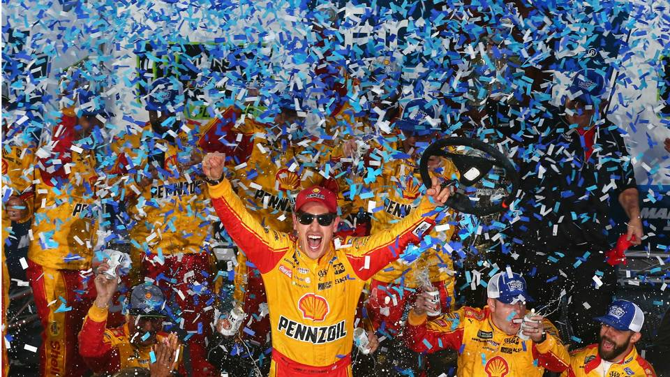NASCAR at Martinsville: Race results, highlights from Joey Logano's narrow win