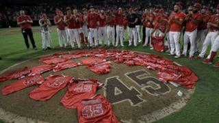 2019-07-12, エンゼルス, スカッグス追悼試合直後、着用していたユニフォームをマウンドに置いたエンゼルス軍団