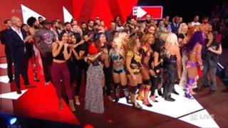 WWE ロウ #1313