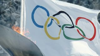 1992OlympicFlag-Flame-Getty-FTR-021118.jpg