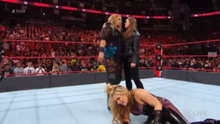WWE ロウ ナイア ロンダ・ラウジー