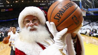 Santa Claus Los Angeles Clippers plays the Golden State Warriors