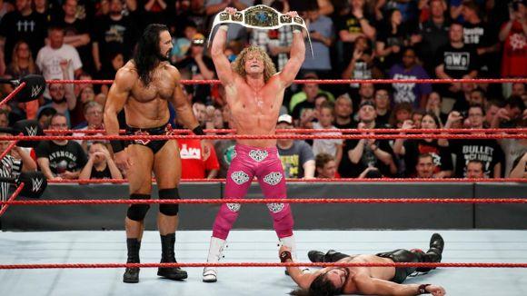 WWE ロウ #1308