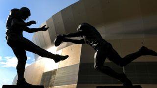 Steve-Gleason-statue-082117-Getty-FTR.jpg
