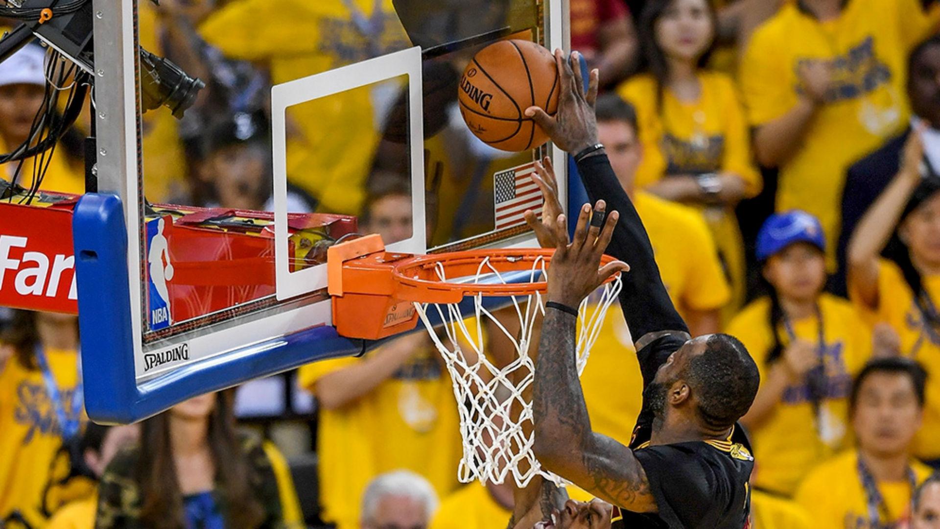 Lebron James Dope Pics: Even Andre Iguodala Thought LeBron James' NBA Finals Block
