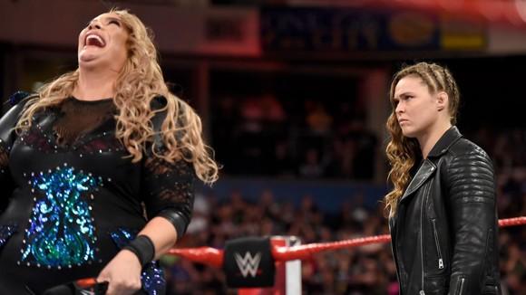 WWE ロウ #1305