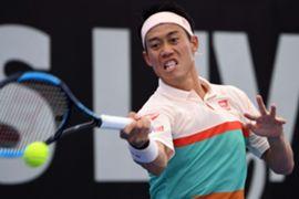 ブリスベン国際テニス/リターンショットを放つ錦織