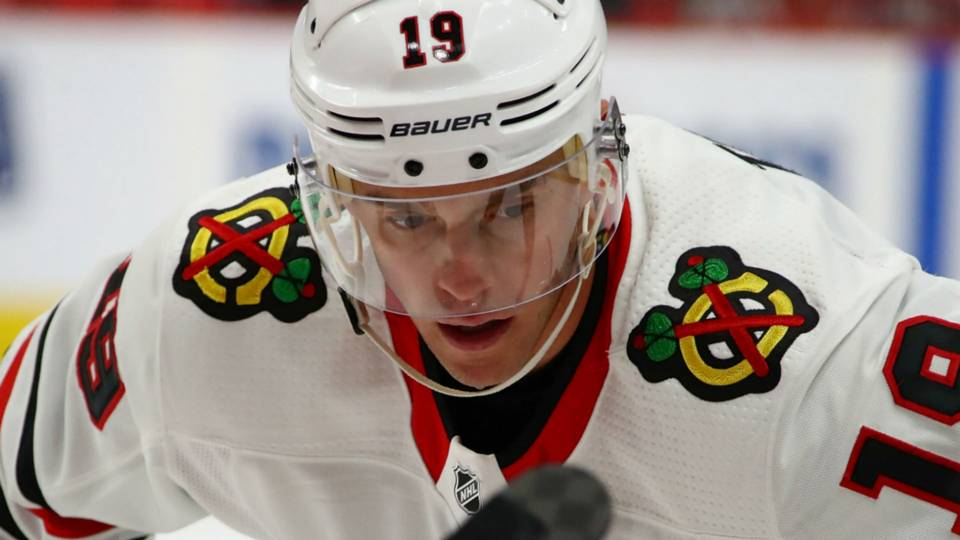 Jonathan Toews' troubling, sudden decline has Blackhawks in a bind