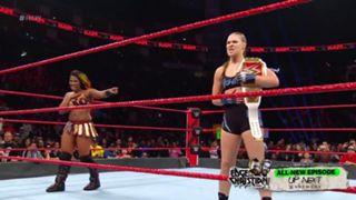 WWE, ロウ, #1332, ロンダ