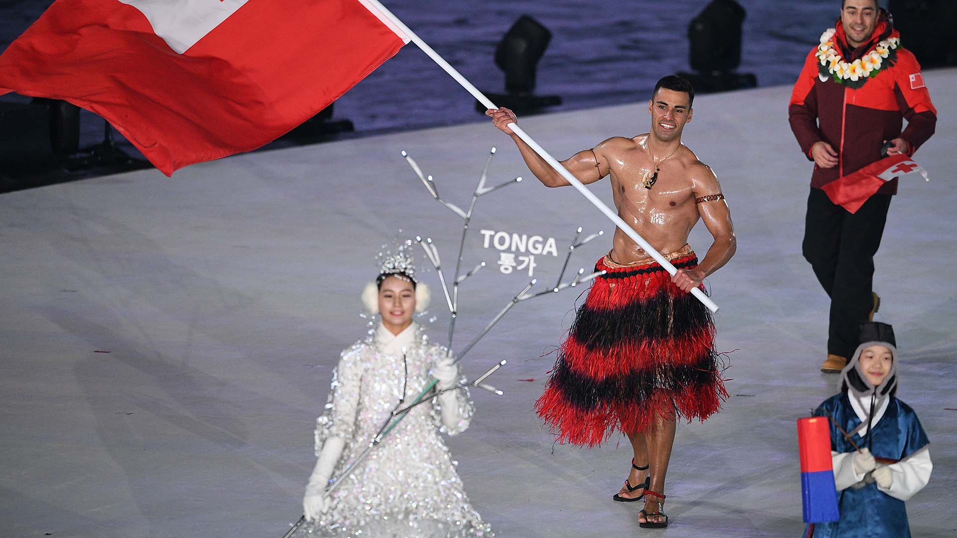 Tongas Pita Taufatofua goes topless again at Olympics