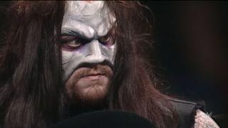 WWE 顔面破壊 流血 骨折 アンダーテイカー
