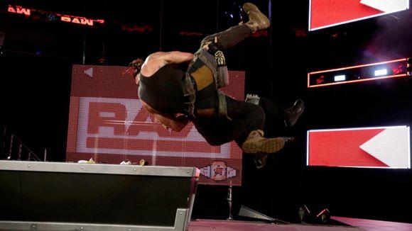WWE ロウ #1320 ローマン・レインズ ブラウン・ストローマン
