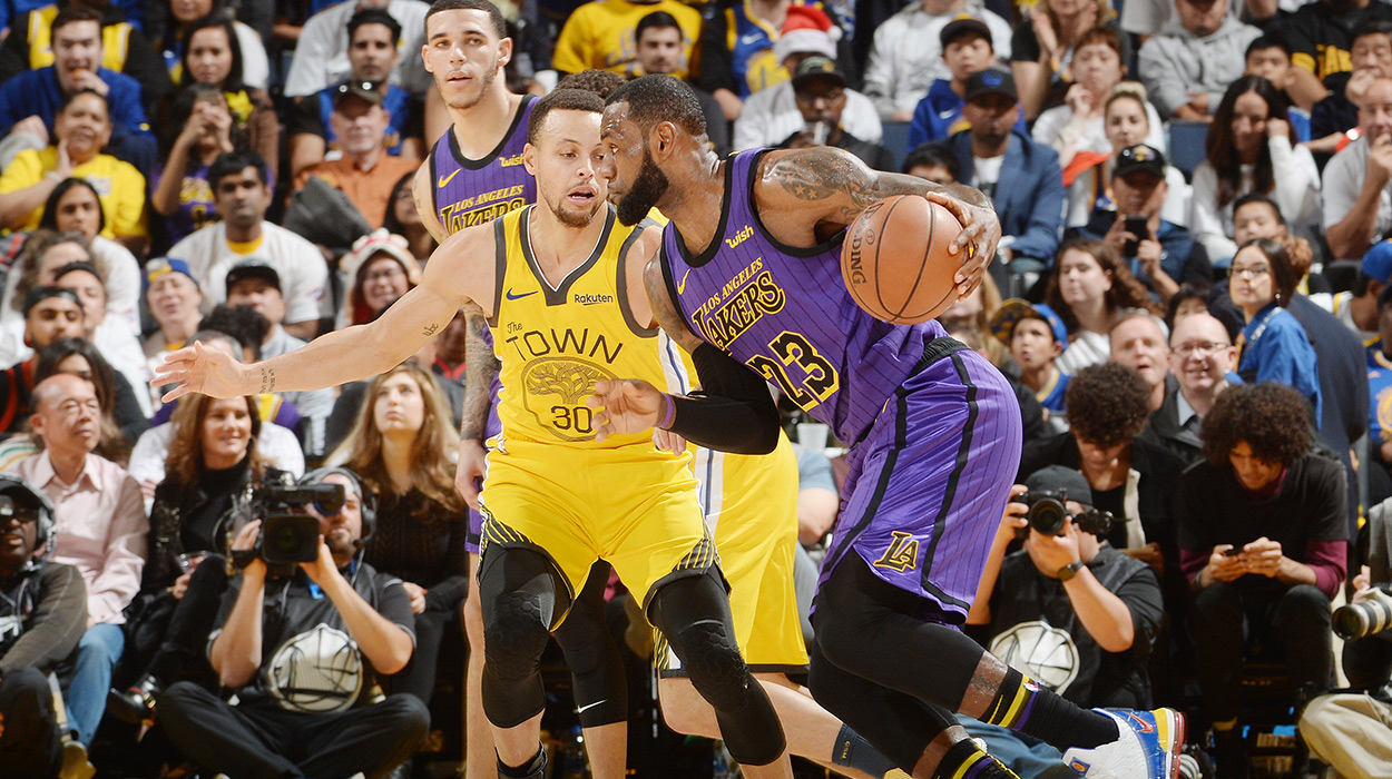 new styles 184ea 3c46c LeBron James injured, Lakers wins Warriors   Sporting News