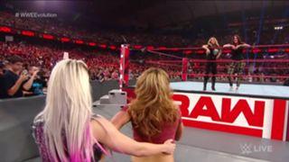 WWE ロウ #1324 トリッシュ・ストラタス リタ アレクサ・ブリス