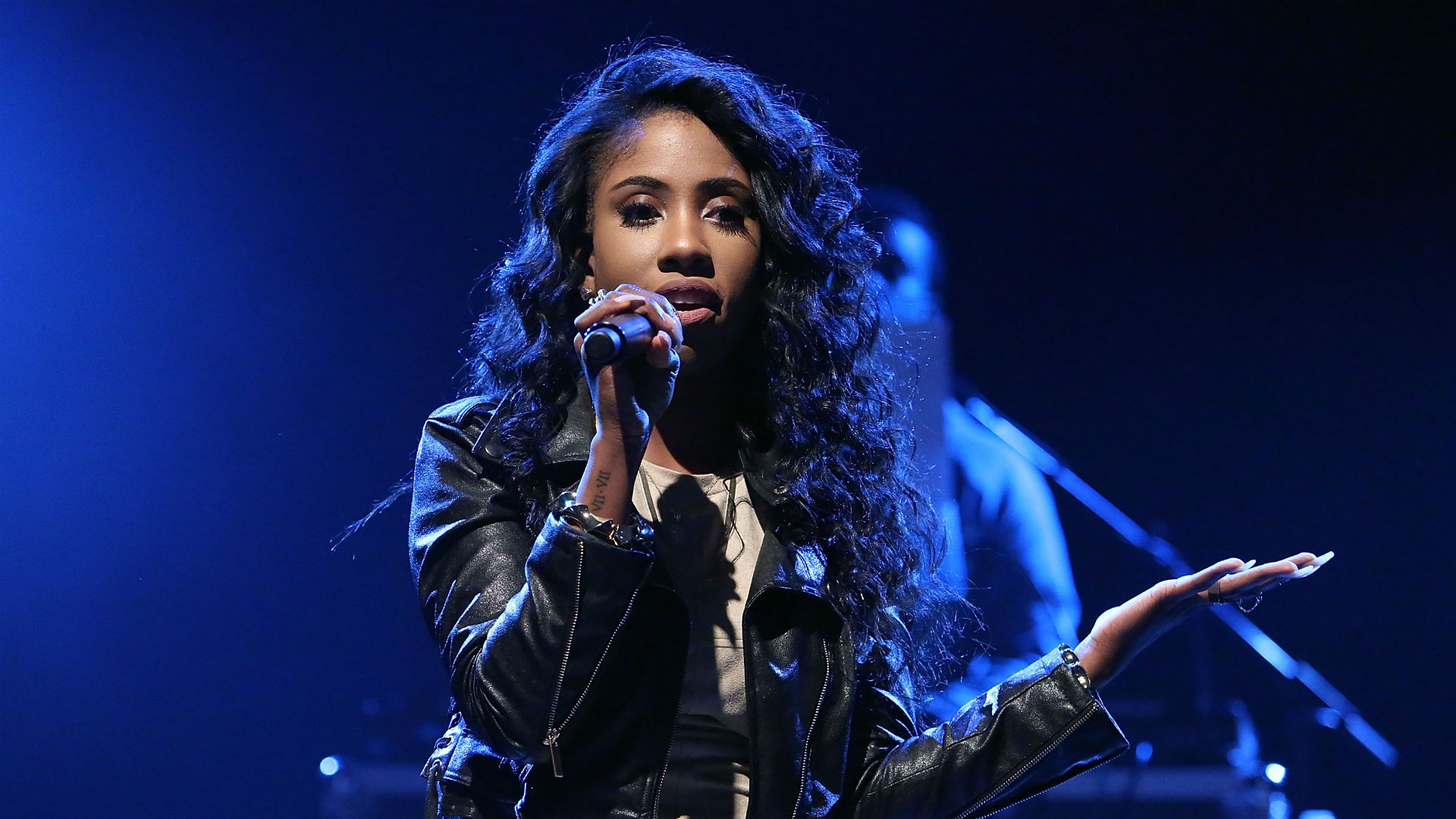 76ers' anthem singer Sevyn Streeter took the stand NBA players backed away from | Sporting News