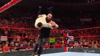 WWE ロウ #1313 ストローマン