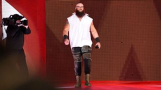 Braun-Strowman-FTR-WWE-040618
