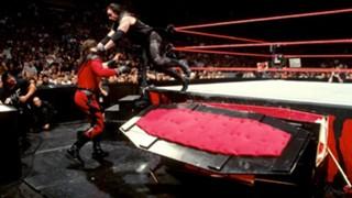 WWE アンダーテイカー ケイン 棺桶戦 1998