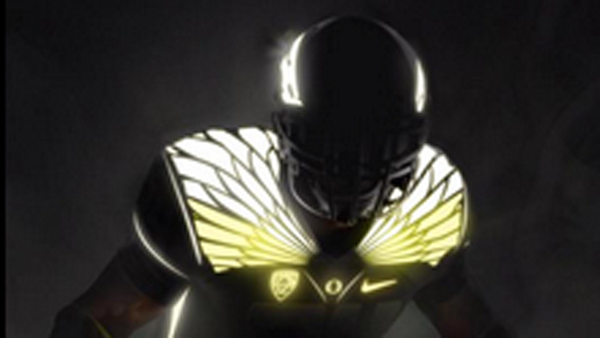 buy popular d8f38 da99f Oregon teases the idea of glow in the dark uniforms for 2015 ...
