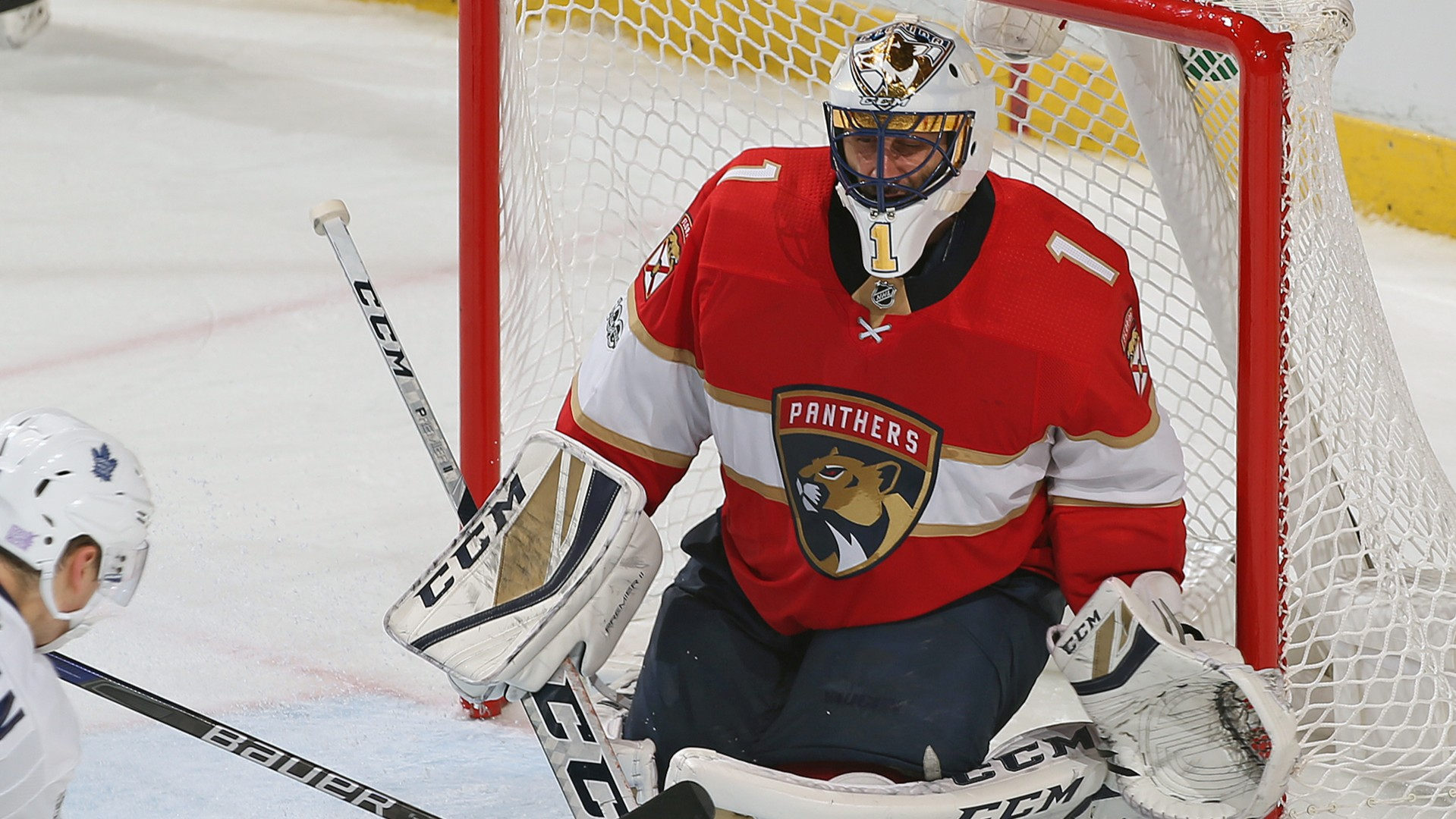Panthers Roberto Luongo Moves Into Second Place For Career