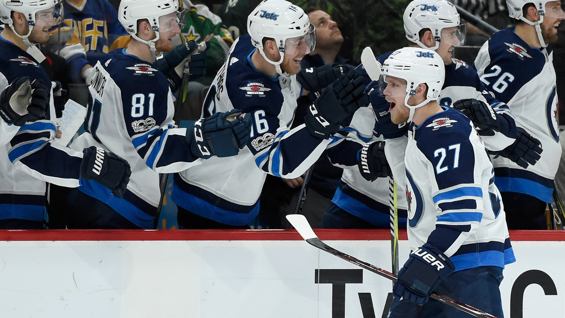 Opportunistic Ehlers leads Winnipeg Jets to victory