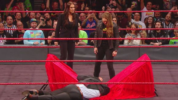 Ronda Rousey's Contract Signing