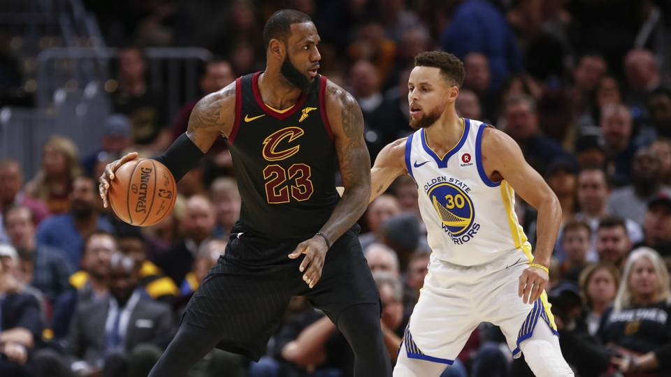 Stephen Curry says President Trump's criticism of LeBron James based in 'longstanding racism'
