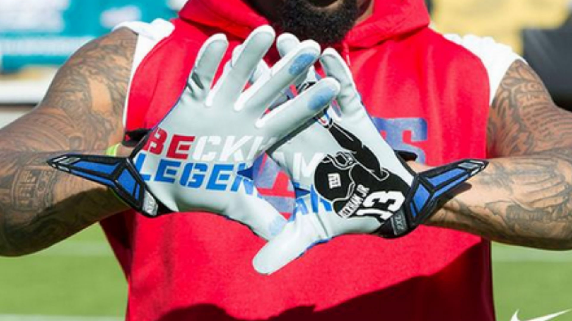 new arrival f54e5 65d96 Odell Beckham Jr.'s catch immortalized on his gloves ...