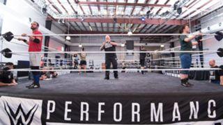 WWE パフォーマンスセンター 人材募集