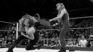 WWE, ロウ, #1329, ベッキー・リンチ,ロンダ・ラウジー