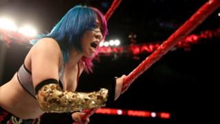 WWE ロウ アスカ 日本人 挑戦 無敗記録 ストップ