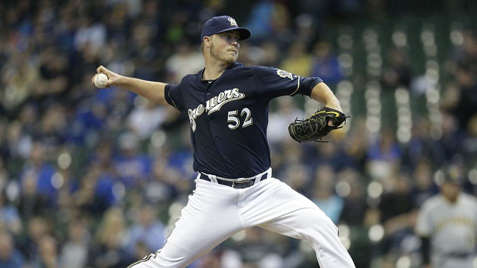 Brewers teammates lead cheers as Jimmy Nelson makes first game appearance since September 2017