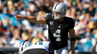 Derek-Carr-102416-Getty-FTR.jpg