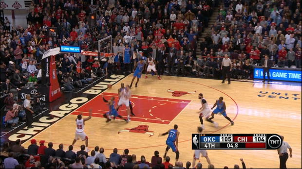 Play of the Day: E'Twaun Moore
